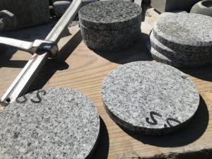 大島石 小皿など製作現場